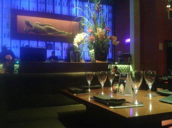 Sukha Asian Cuisine: Decor