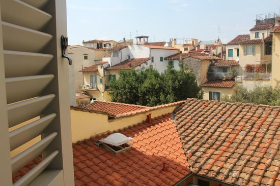 Il Guelfo Bianco: Over the rooftop view from Room 336