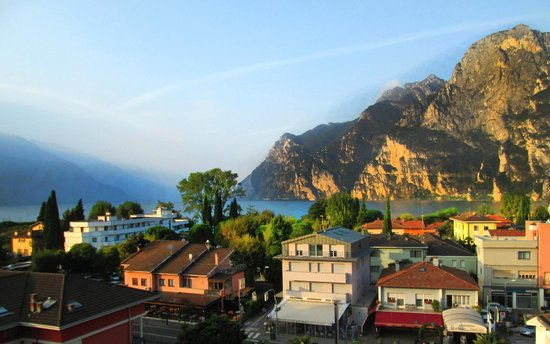 Hotel Garda - TonelliHotels: Panorama Dalla Camera  2