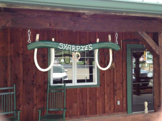 Trade, TN : Sharpies Restaurant