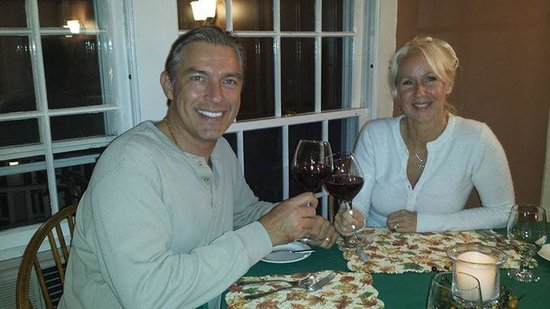 Fox Creek Inn: Wrapping up the day with a glass of wine :-)