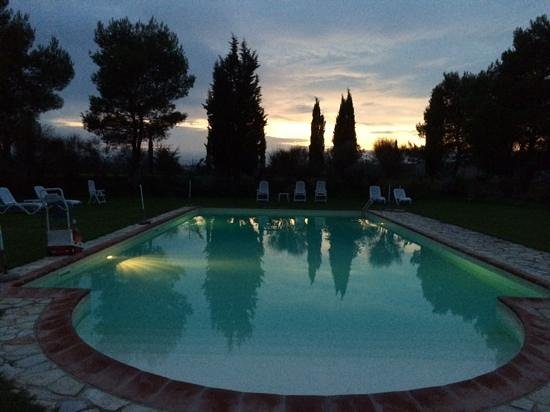 Il Canto del Sole's pool at sunset