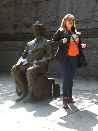 DC by Foot: Here is Matilda with Franklin D Roosevelt - telling all his secrets