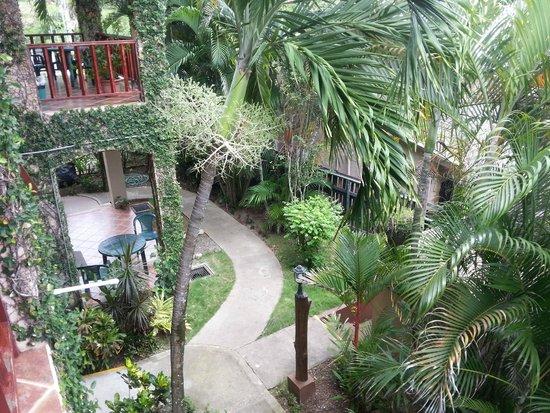 Backyard Hotel: areas de paso del hotel