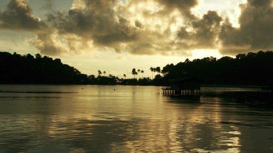 Nirvana Resort Koh Chang: View towards Nirvana from Bang Bao