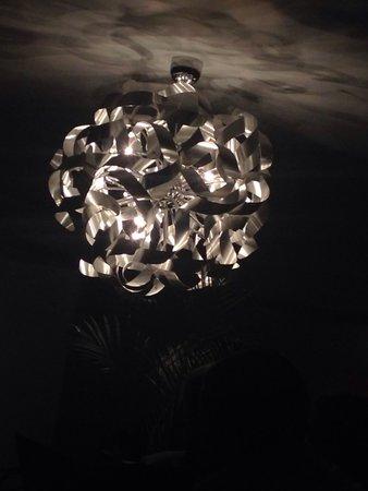 Le Chesnoy: Luminaire