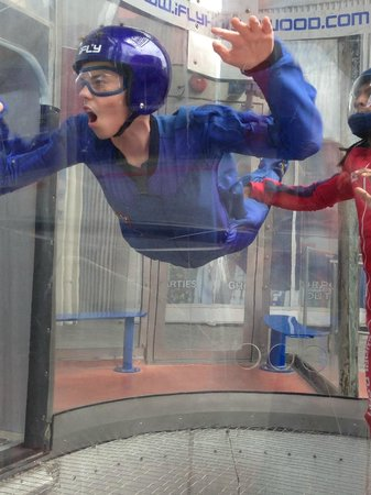iFLY Hollywood : Flying!