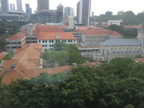 Carlton Hotel Singapore: 9階から見えるラッフルズホテル