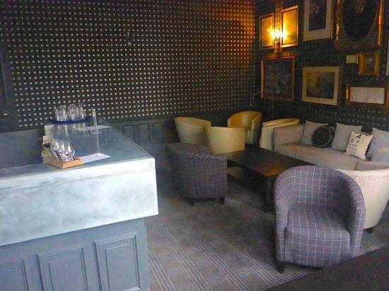 B+B Edinburgh: Bar