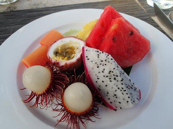 Trisara: Breakfast fruit plate