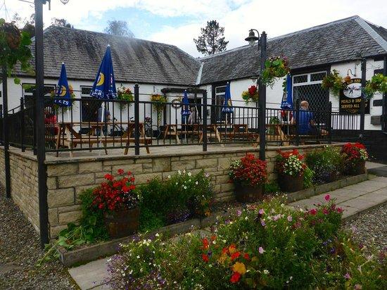 Craigbank Guest House : Pub next door