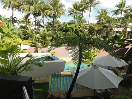 Peninsula Boutique Hotel: Secluded pool area