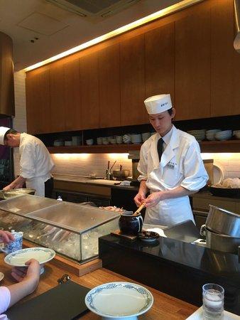 Shinjuku Tsunahachi Takashimaya ten: chef so professional