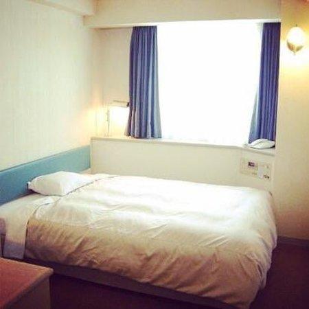 Yokohama Isezakicho Washington Hotel : 客室セミダブル