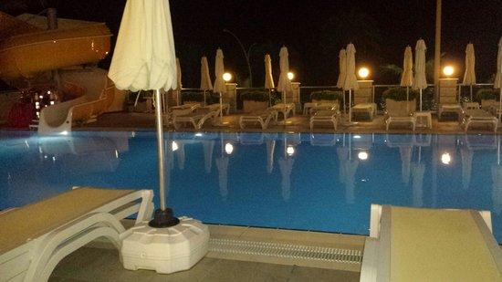 White Gold Hotel & Spa: Uteserveringen vid resturangen