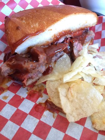 Hot City Barbeque & Bistro: Tri-tip sandwich and chips