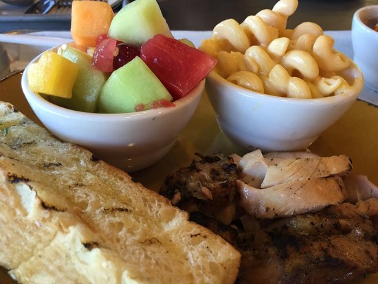 Urban Plates: Chicken plate with Mac n cheese and fruit