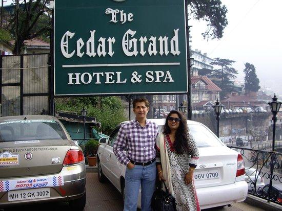 The Cedar Grand Hotel & Spa: Entrance