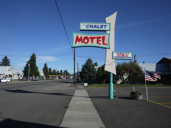 Chalet Motel Picture