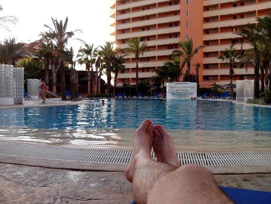 HOTEL SH IFACH: Atardecer en la piscina