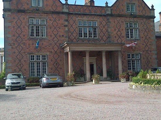 Willington Hall Hotel: Front entrance Willington Hall