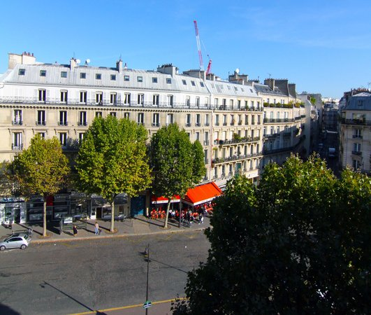 Hotel Plaza Elysees : View from room 520