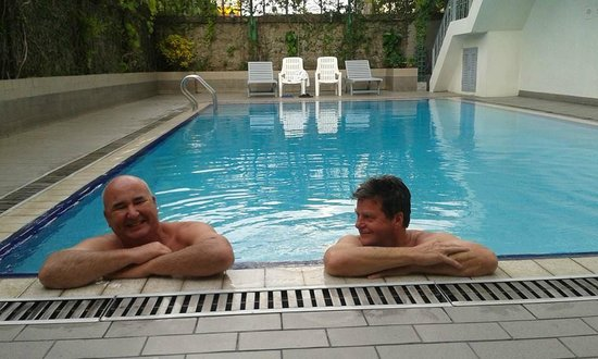 K.T. Guest House : The best pool in Bangkok!