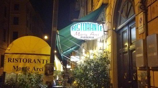 Ristorante Monte Arci : お店外観