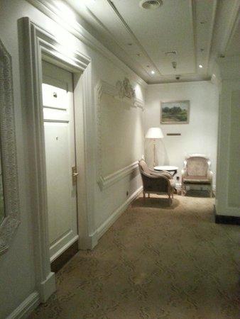 Hotel Savoy Moscow: hallway
