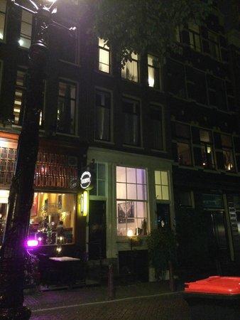 Tulip of Amsterdam B&B: Vista del B&B desde el exterior