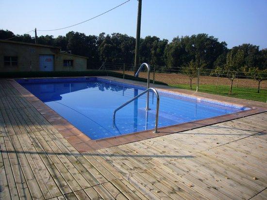 Masia Rural Can Poch: Zona de piscina