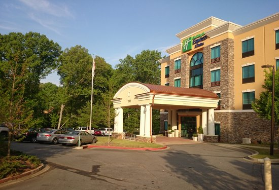 Holiday Inn Express Hotel & Suites Clemson - Univ Area: The Hotel in the trees