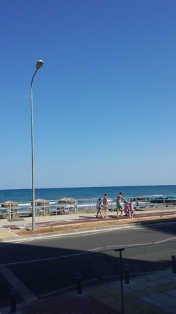 Flamingo Beach Hotel : Sea View
