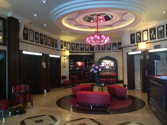 Hotel Pont Royal: Hotel lobby