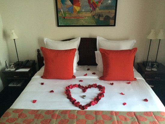 Hotel Pont Royal: Small touches made our honeymoon special