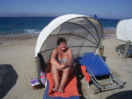 Kipriotis Hippocrates: pod on beach