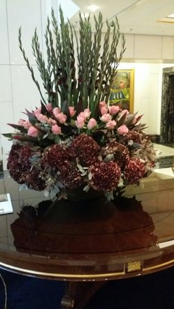 Breidenbacher Hof, a Capella Hotel: Prächtiges Blumendekor