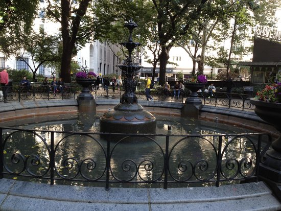 Madison Square Park - middle fountain