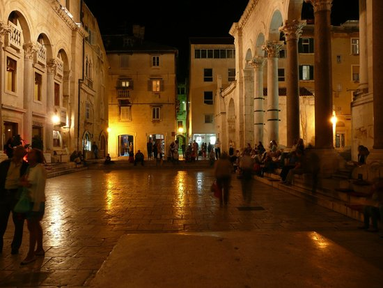 Peruzovic Rooms & Apartments: Split Old Town