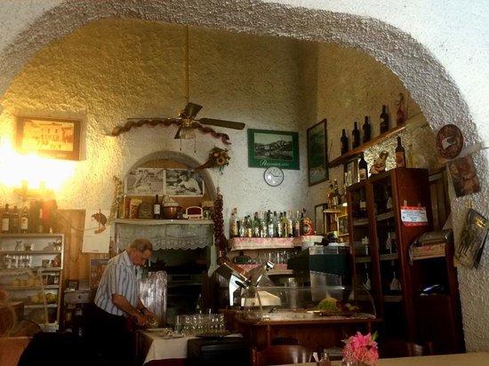 Nido d'Abruzzo: Restaurant Interior.