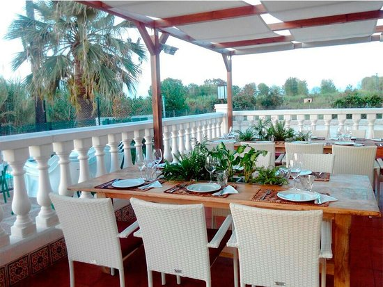 imagen Oasis Restaurant en Oliva