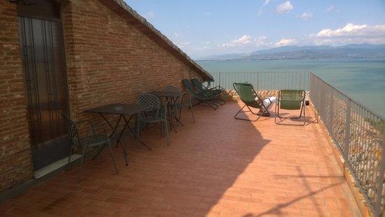 Hotel Aganoor: vista lago dal terrazzo - solarium