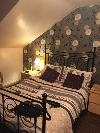 Elim House: Room 6 bed