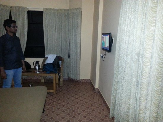 Munnar Castle: Bed