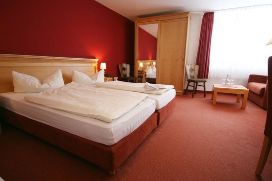 Asten Village: Room