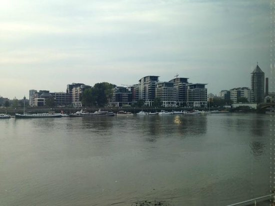 Rafayel on the Left Bank - Hotel & Spa: Housing area across the river