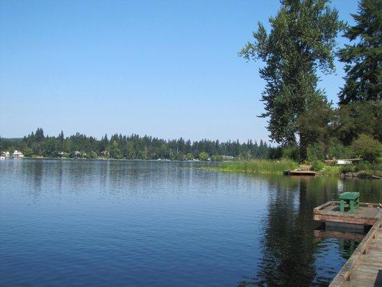 Offut Lake Resort: am See