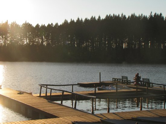 Offut Lake Resort: am See