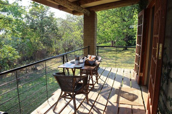 Windmill Wine Shop and Cottages : Veranda