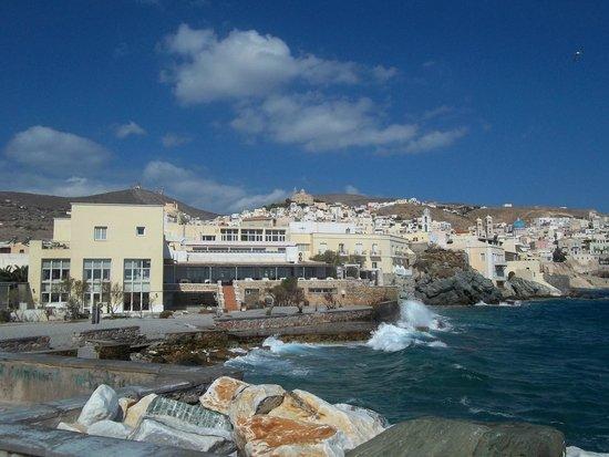 Hermes Hotel: sea view [east side]